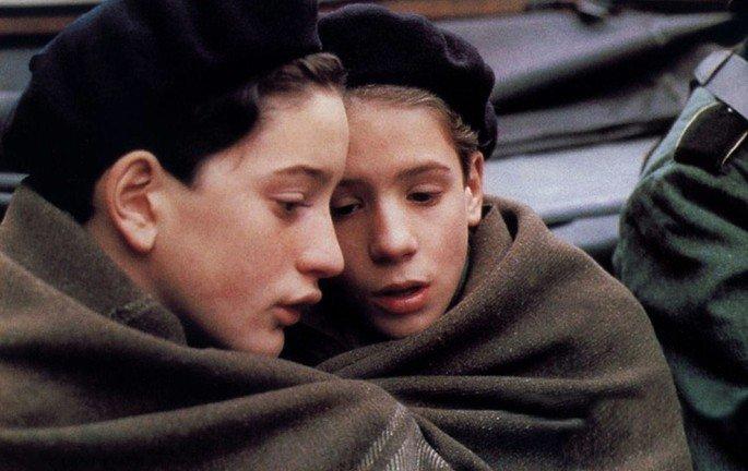 Fotograma de la película Adiós, muchachos