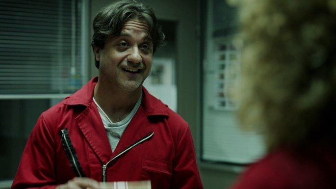 Arturo en La casa de papel.