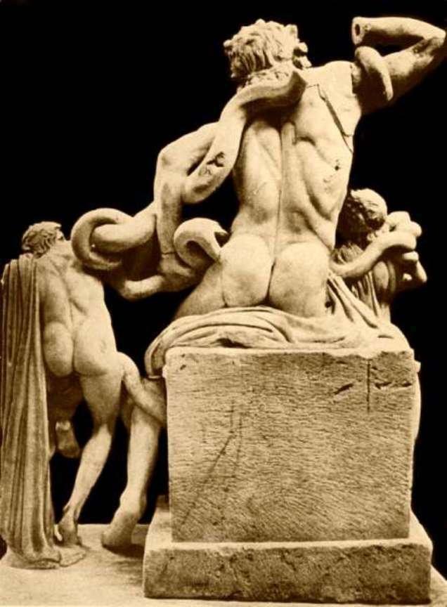 escultura vista posterior