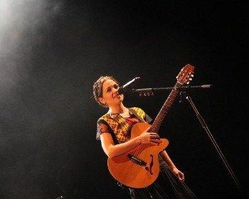 Canción Hasta la raíz de Natalia Lafourcade