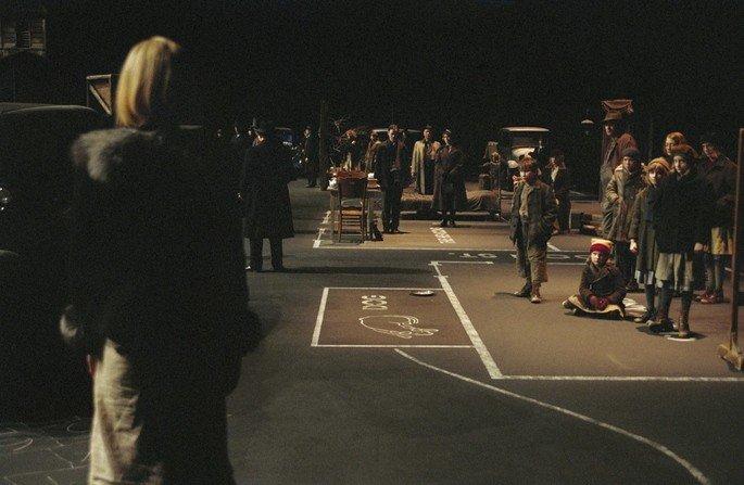 Fotograma de la película Dogville