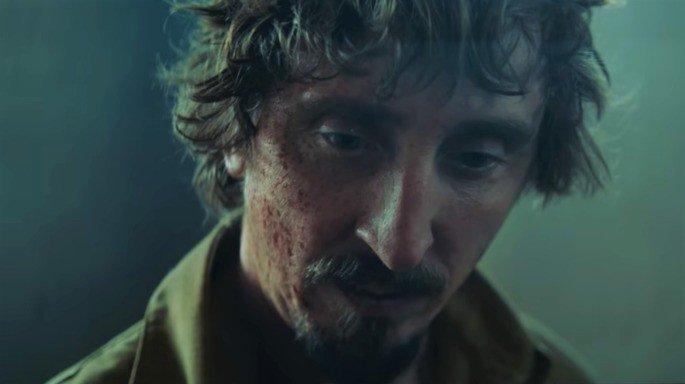 Fotograma de la película el Hoyo en el que aparece su protagonista en primer plano