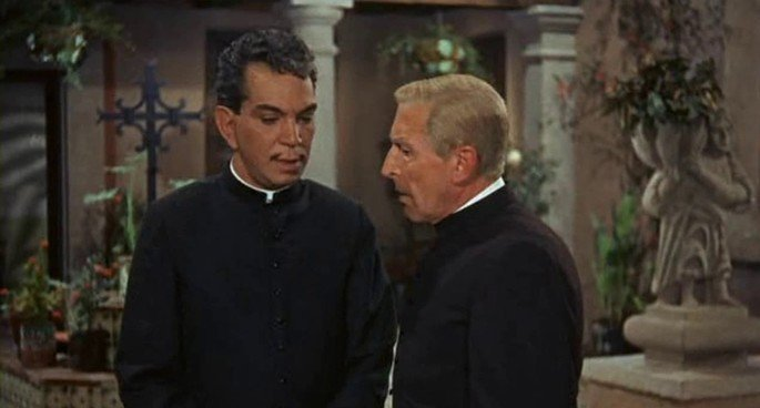 Fotograma de la película El padrecito