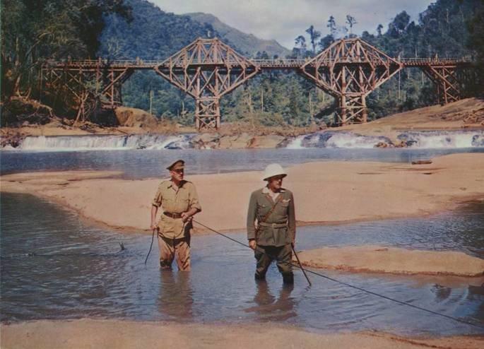 Fotograma de la película El puente sobre el río Kwai