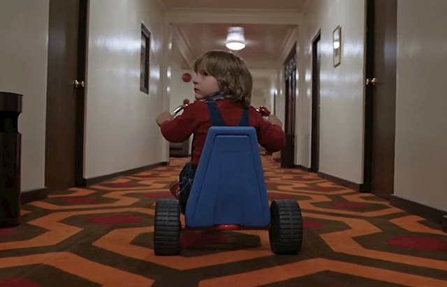 Fotograma de la película El resplandor.