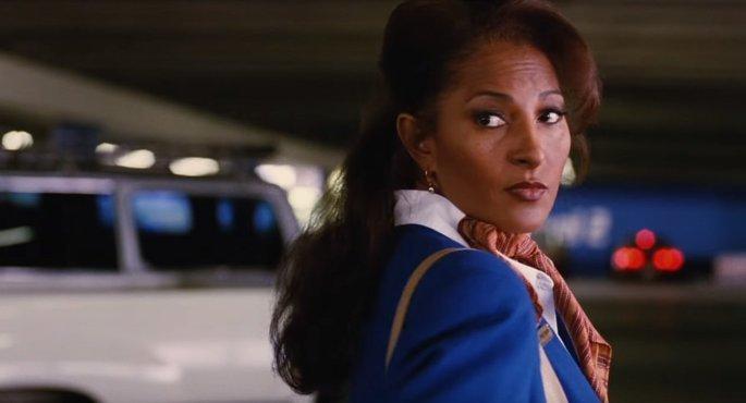 Fotograma de la película Jackie Brown en el que aparece Pam Grier