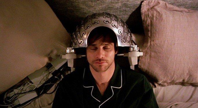 Joel se somete al experimento de la clínica Lacuna