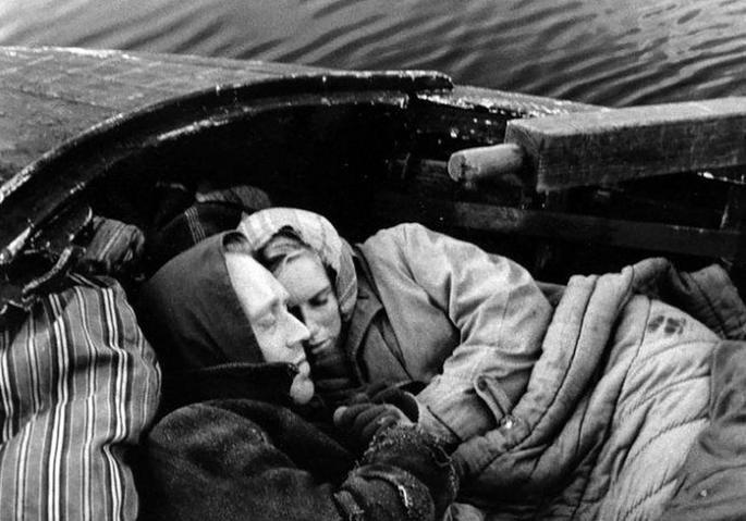 Fotograma de la película La vergüenza