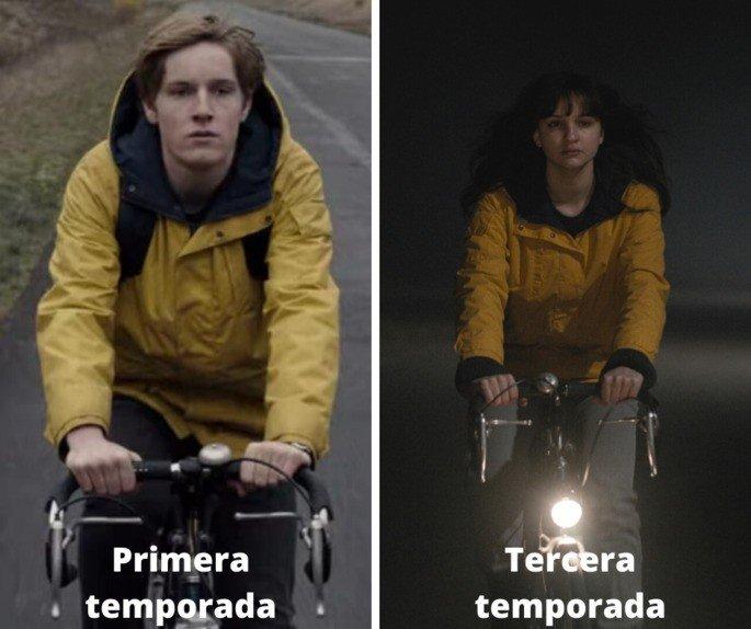 Fotograma comparativo en el que aparece Jonas en bicicleta y Martha igual en temporadas distintas
