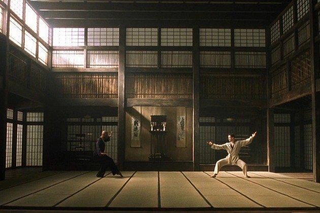Lucha entre Morfeo y Neo en la simulación.