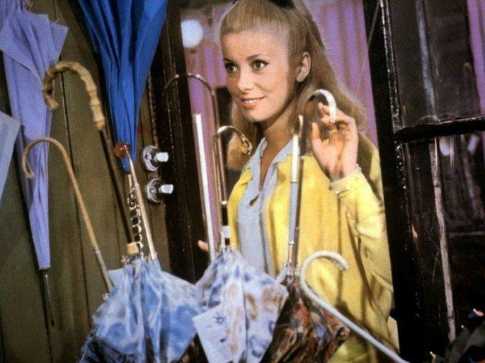 Fotograma de la película Los paraguas de Cherburgo