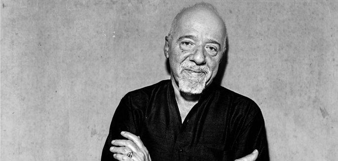 Fotografía en la que aparece Paulo Coelho