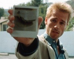 Película Memento de Christopher Nolan