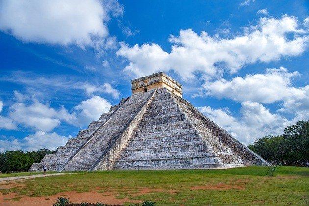 El Castillo maya
