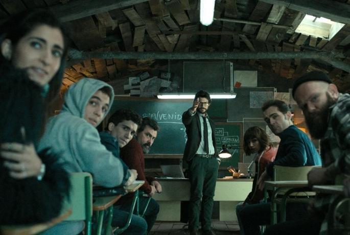 El Profesor y sus alumnos durante la formación.