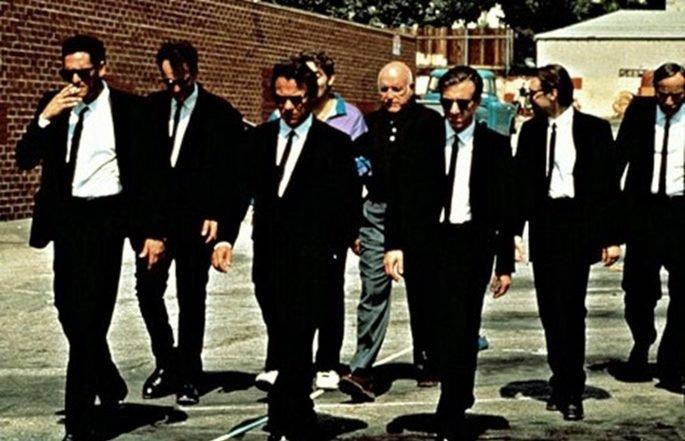 Imagen de la película Reservoir Dogs en la que aparecen sus protagonistas caminando