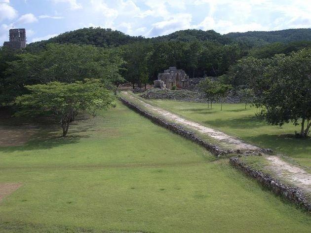 Sacbé o calzada maya