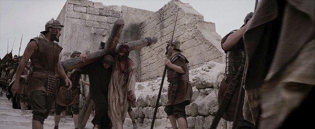 simon ayuda a jesus
