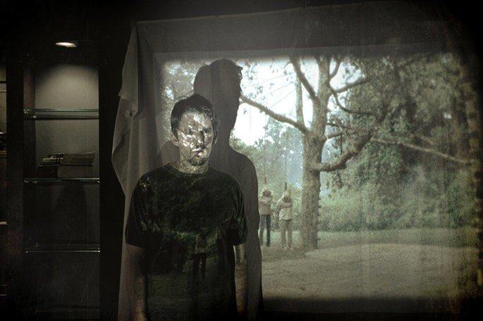 Fotograma de la película Sinister en el que aparece su protagonista