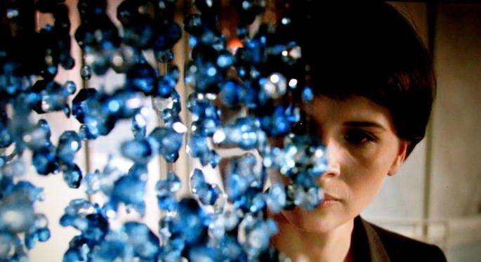 Fotograma de la película Tres colores: Azul