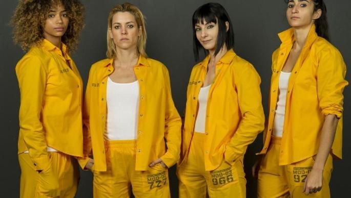 Fotograma de la serie Vis a Vis