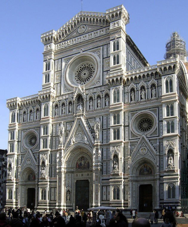 A fachada da Catedral.