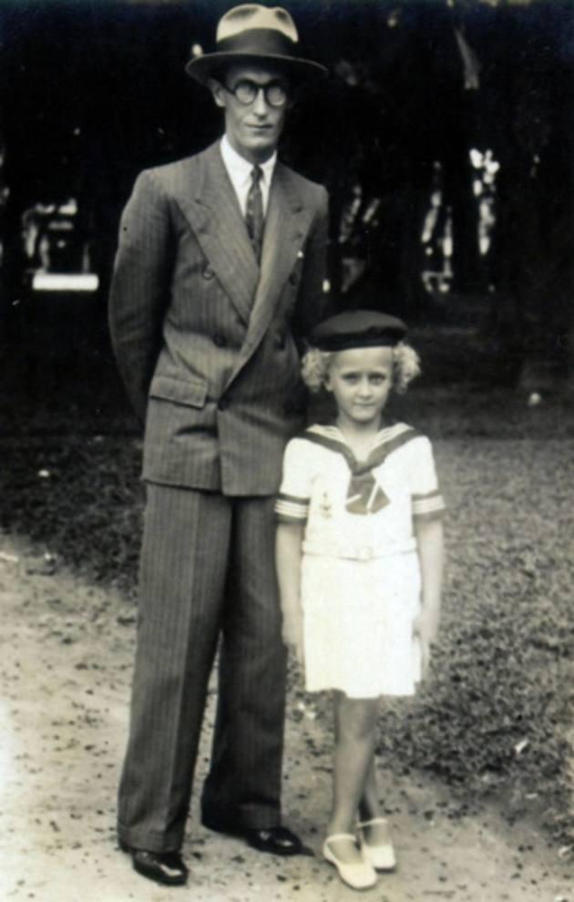 Carlos Drummond de Andrade e a filha única, Maria Julieta.