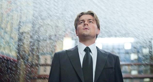 Dom Cobb, interpretado por Leonardo Di Caprio.