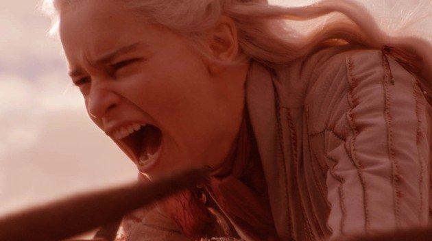 daenerys no dragão