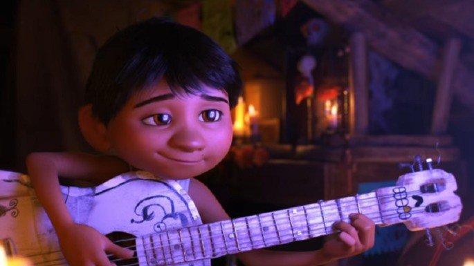 Apesar das proibições, Miguel continua sendo um apaixonado por música