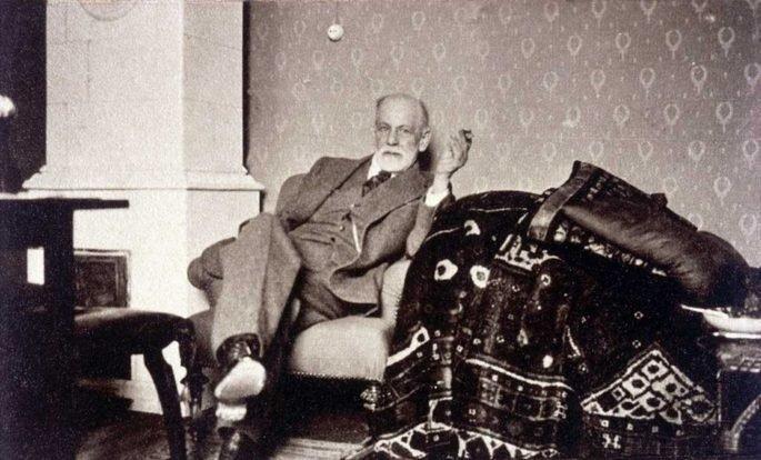 Freud no seu escritório