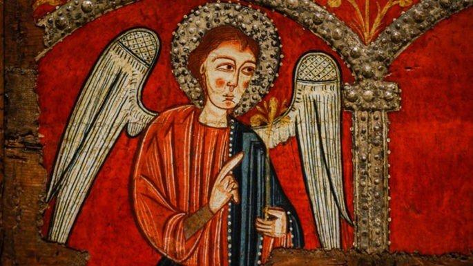 Anjo presente no altar frontal na Igreja Mosoll (Espanha), a obra, que não tem autoria definida, data do século XIII.