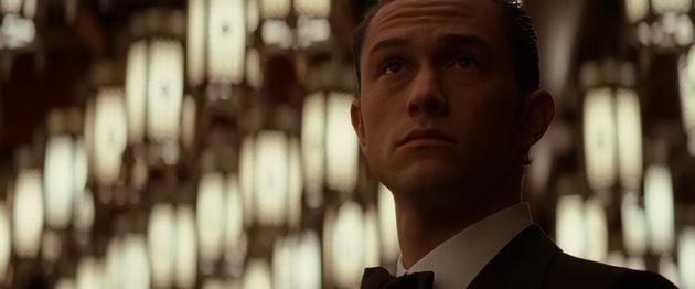 Arthur interpreta Joseph Gordon-Levitt.