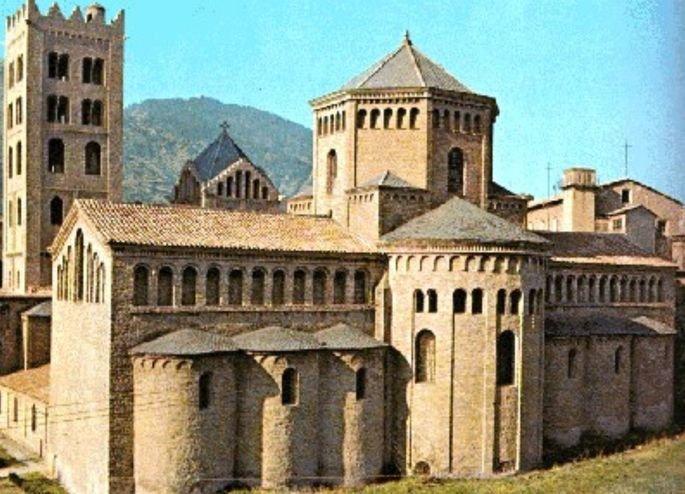 Basilica de Santa Maria de Ripoll – Gerona.