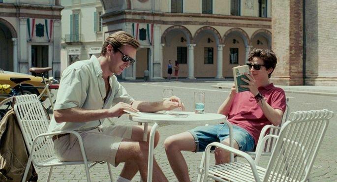 Elio e Oliver conversando