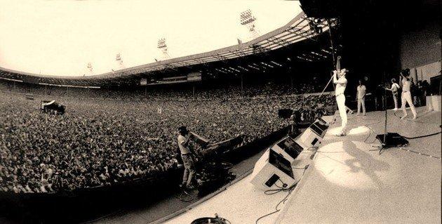 O show Life Aid, realizado em julho de 1985, não foi o primeiro show de reencontro da banda após o afastamento do conjunto.