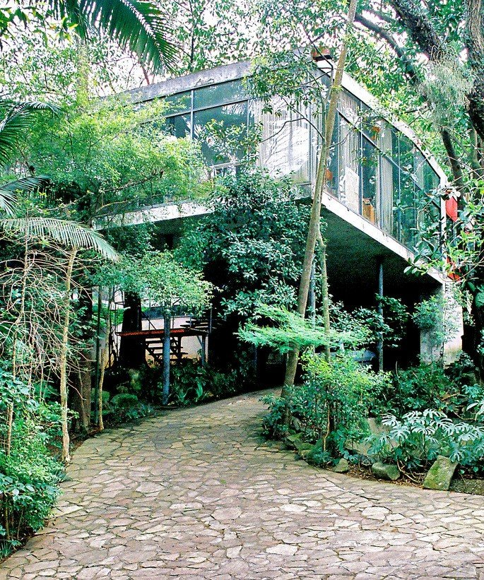 casa de vidro, da arquiteta Li Bo Bardi