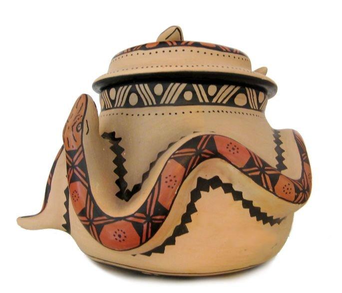 Exemplo de vaso de cerâmica indígena.