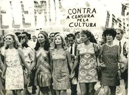 Retrato de atrizes brasileiras em protesto contra a censura militar
