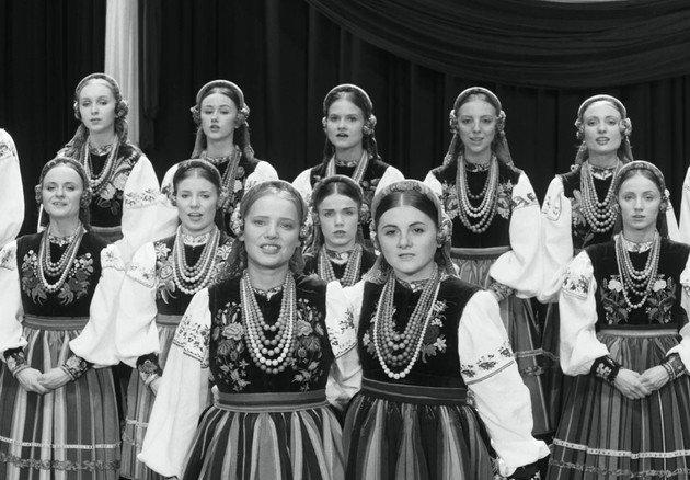 Coro de mulheres da companhia