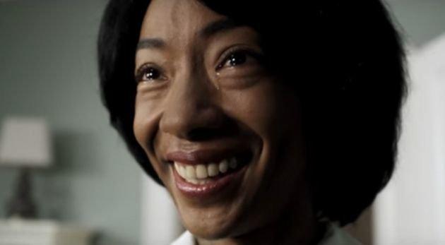 Georgina chorando.