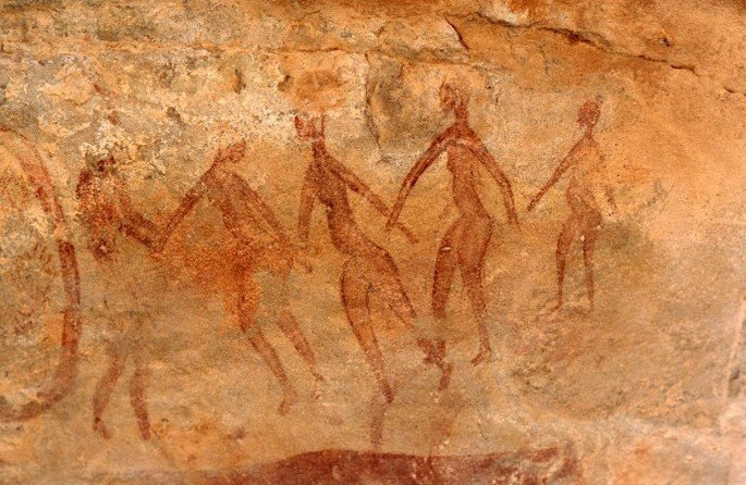 pintura rupestre exibindo dança primitiva