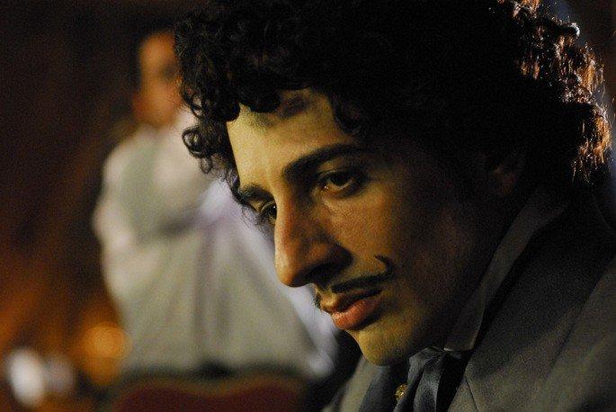 Santiago (Michel Melamed) na minissérie Capitu (2008).