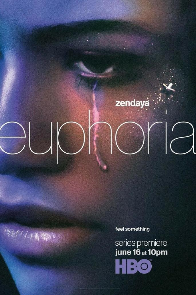 Cartaz promocional da série Euphoria, com Rue (Zendaya) com uma lágrima feita de glitter