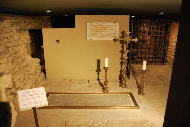 A cripta onde está enterrado Brunelleschi.