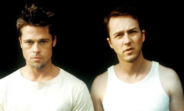 Brad Pitt e Edward Norton no filme Clube da Luta (1999)