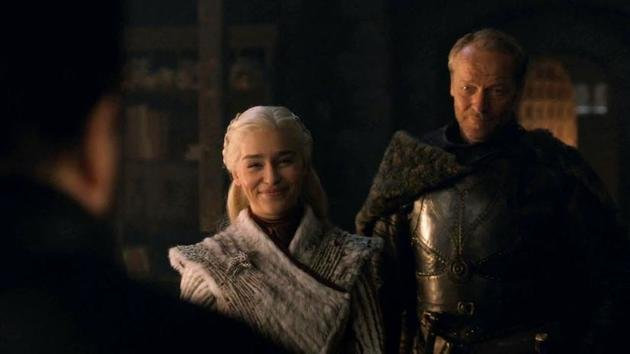 Daenerys sorrindo