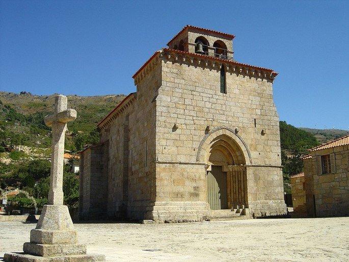 Igreja de São Martinho de Mouros (Portugal)