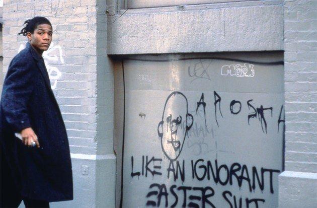 Basquiat fazendo grafiti