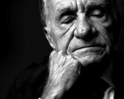 João Cabral de Melo Neto: 10 poemas analisados e comentados para conhecer o autor